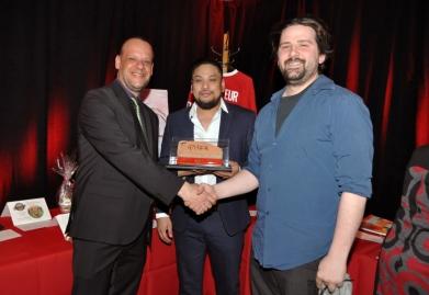 Charles Manny a remporté l'encan silencieux pour la brique du forum autographiée par Patrick Roy !
